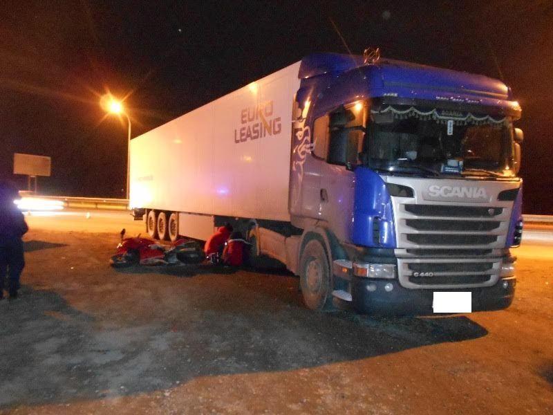 НаСтаврополье вДТП с фургоном скончался мотоциклист