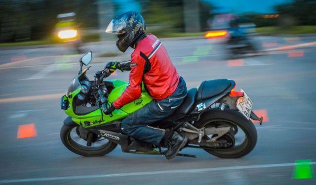 Жители Пятигорска беспокоятся за свою безопасность из-за мотоциклиста-нарушителя