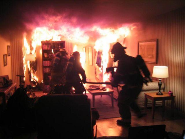В Ставрополе при пожаре пострадали люди