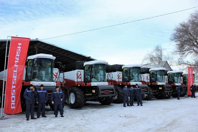 100 новых комбайнов получили предприятия Ставропольского края