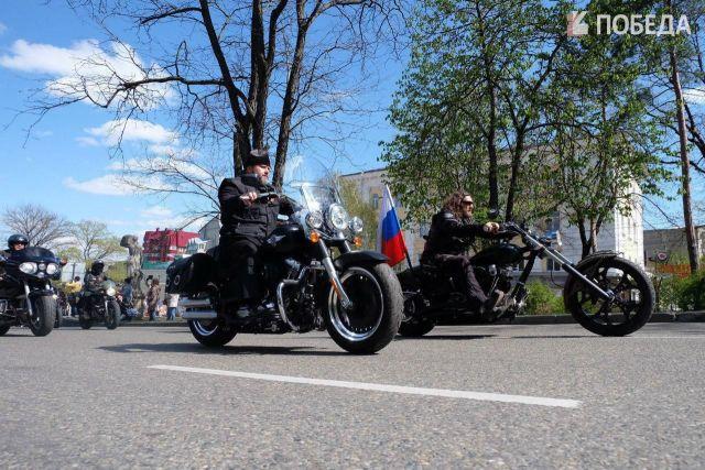 Байкерский клуб «Ночные волки» открыл мотопробег «Дороги Победы» в Ставрополе