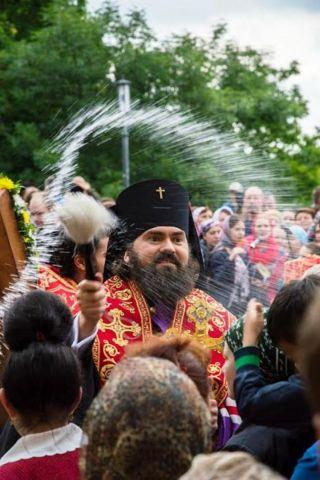 Курортный сезон на Кавминводах открывается благословением вод