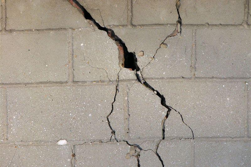 На Ставрополье жителей дома эвакуируют из-за трещин в стенах