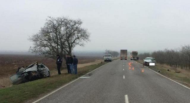 В Ставропольском крае столкнулись две легковушки, двое погибли