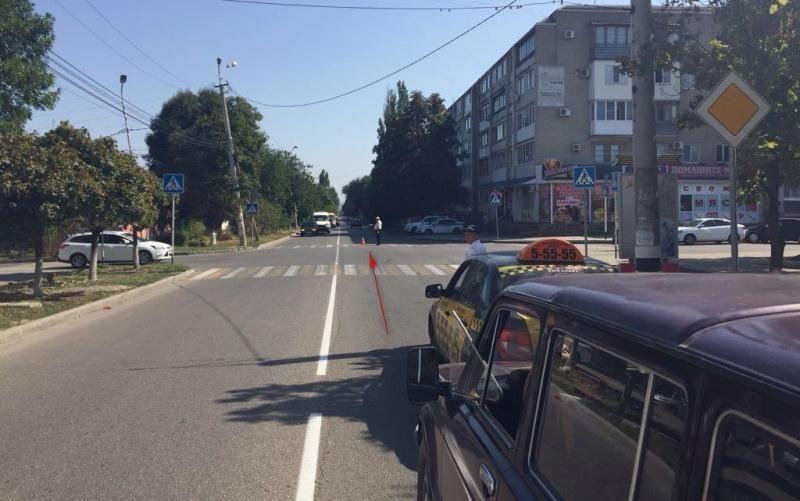 ВМинводах шофёр доставил в поликлинику сбитую школьницу и исчез