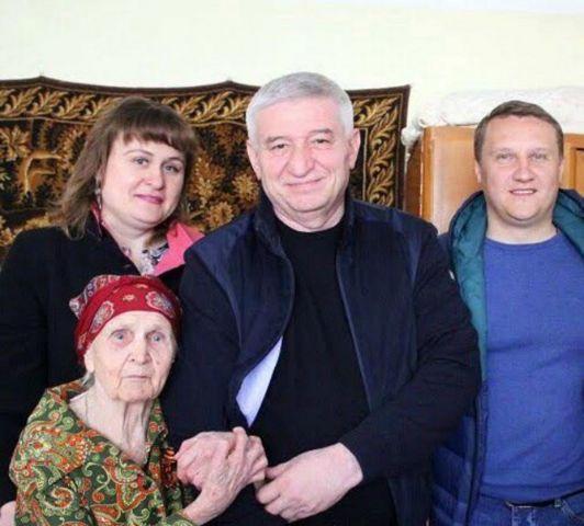 Глава Ставрополя Андрей Джатдоев поздравил ставропольскую долгожительницу со 100-летием