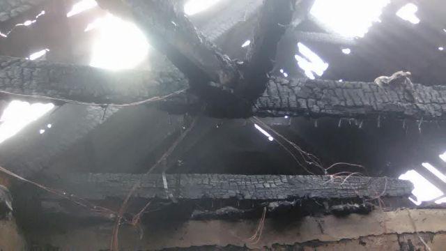 Ставропольские пожарные обнаружили на пепелище дома труп мужчины