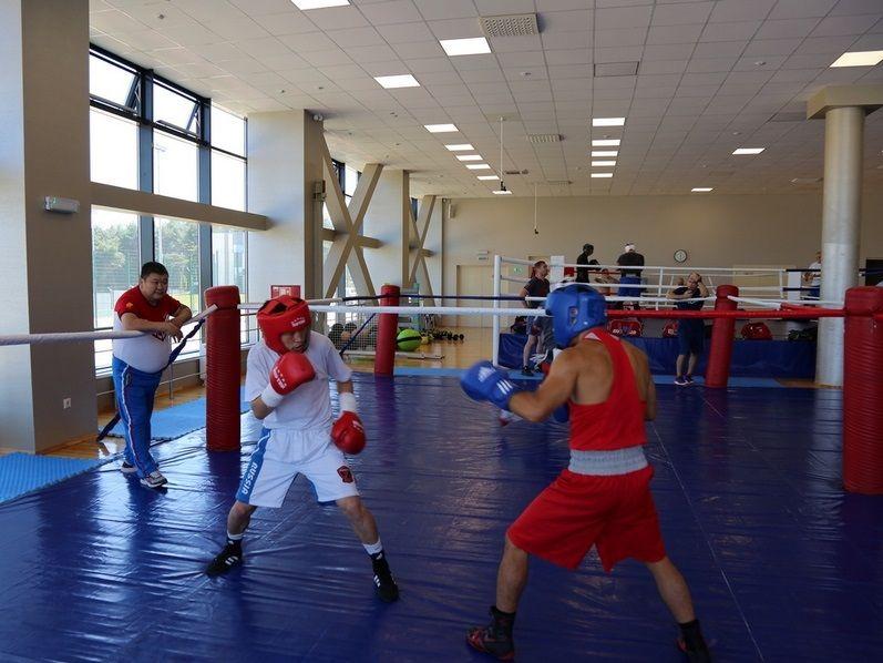 В Кисловодске проходят тренировки сборной России по боксу перед чемпионатом мира