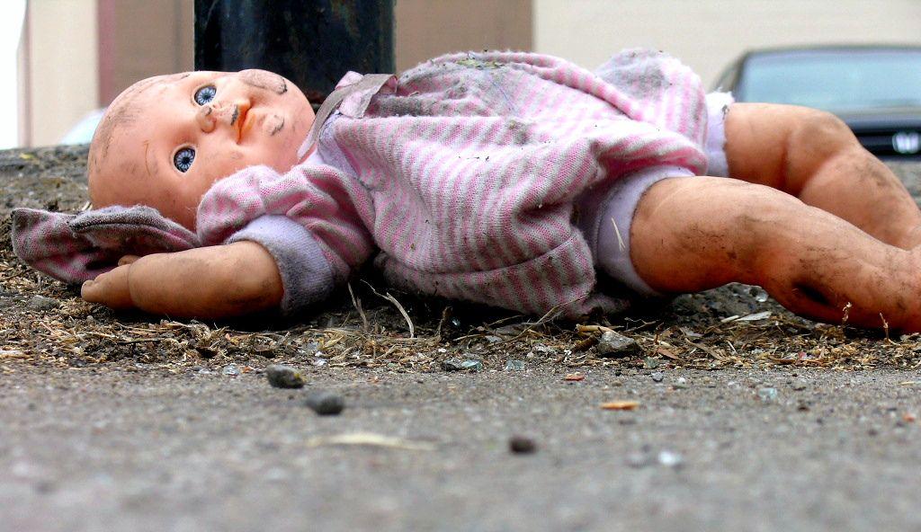 ВСтаврополе женщина спрятала вподвале дома обгорелые тела 2-х маленьких сыновей