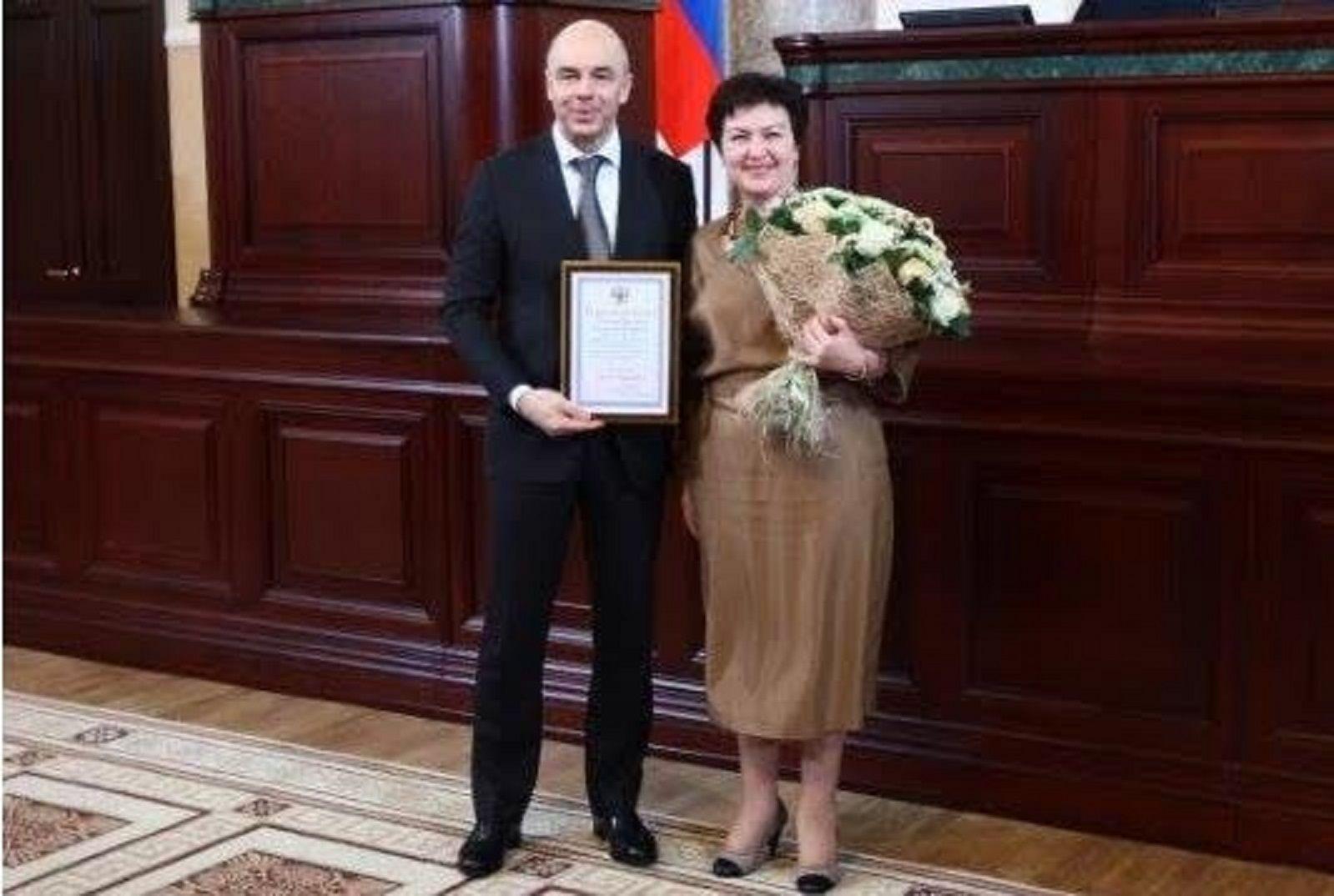 Министр финансов Ставрополья Лариса Калинченко награждена благодарностью министра финансов России