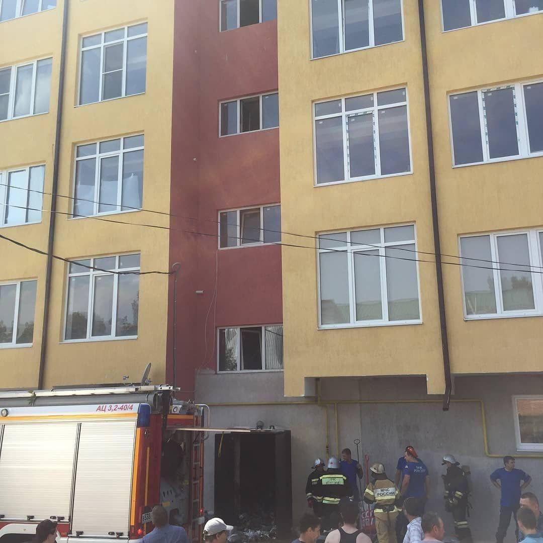 В Кисловодске из горящего дома эвакуировали 5 человек