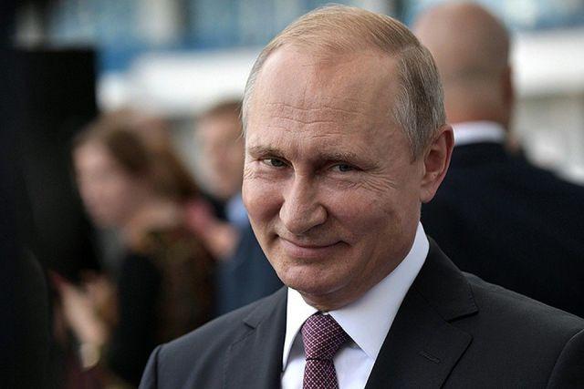 Владимир Путин пообщался со ставропольцами на улице