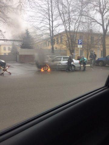 В Ставрополе на улице Советской загорелась иномарка
