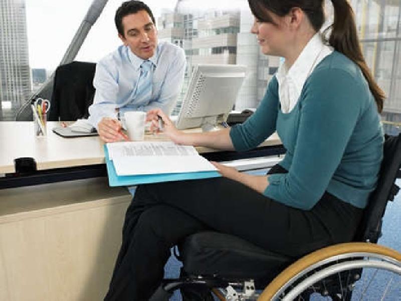 За отказ в приёме на работу инвалидов в счёт установленной квоты работодателям грозит штраф