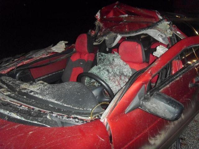 На Ставрополье легковушка столкнулась с грузовой фурой, пострадали четыре человека