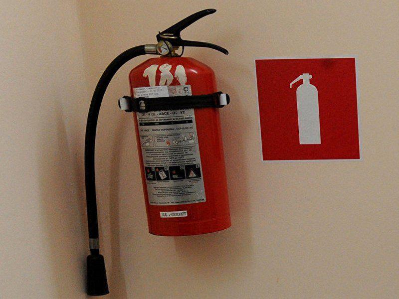 В торговом центре села Кочубеевского нашли нарушения пожарной безопасности