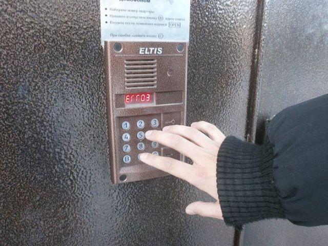 В Ставрополе задержаны домофонные вандалы