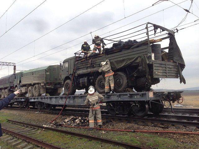 «КамАЗ» сгорел на железнодорожных путях в Минеральных Водах