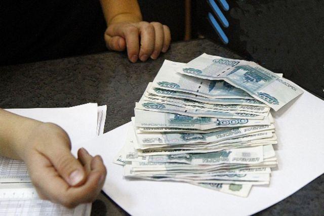 Ставропольчанка пыталась пронести в нижнем белье крупную сумму денег для осуждённого знакомого