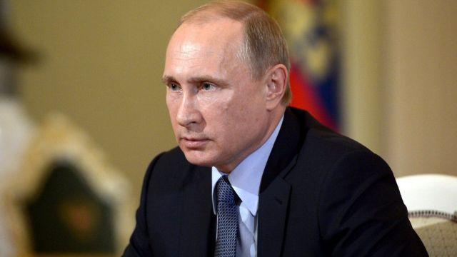 Владимир Путин пообещал ставропольским аграриям продолжить сдерживание цен на ГСМ