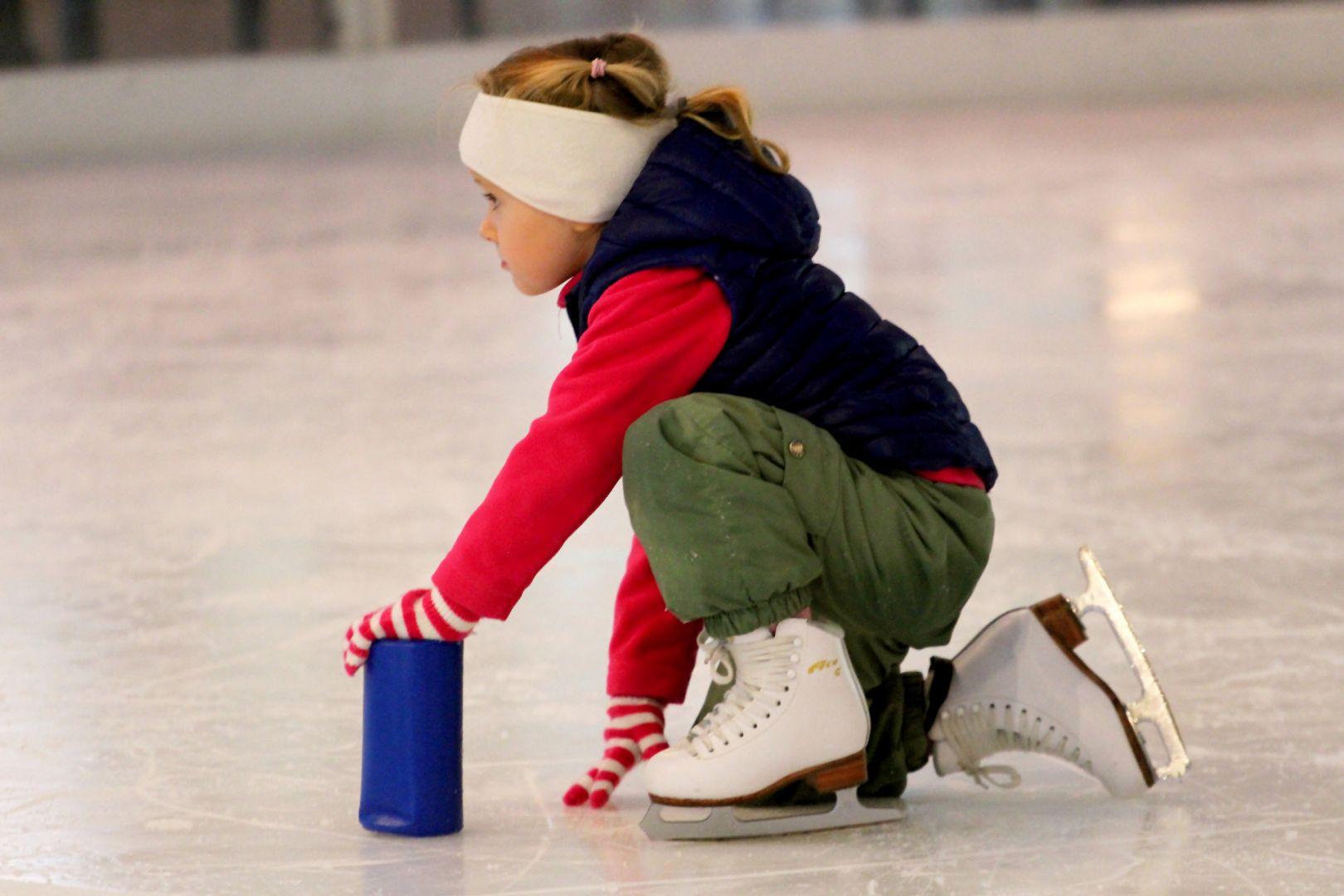 дама катание на коньках обучение картинки отсутствии снега, лишь